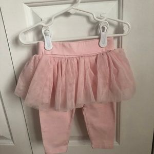 Baby leggins with tulle skirt trim